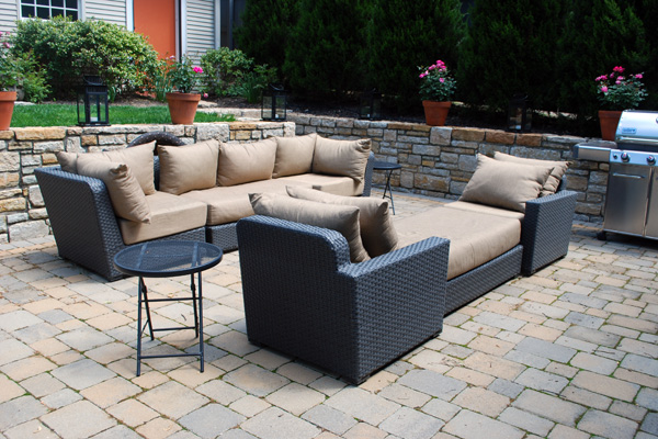 outdoor-living-ideas-comfy-seating